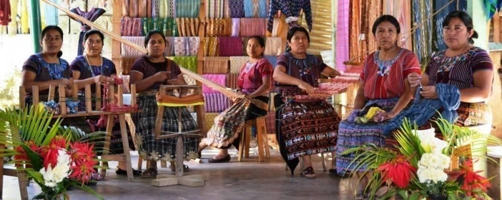 Una iniciativa de las mujeres mayas para proteger su arte de un nuevo despojo
