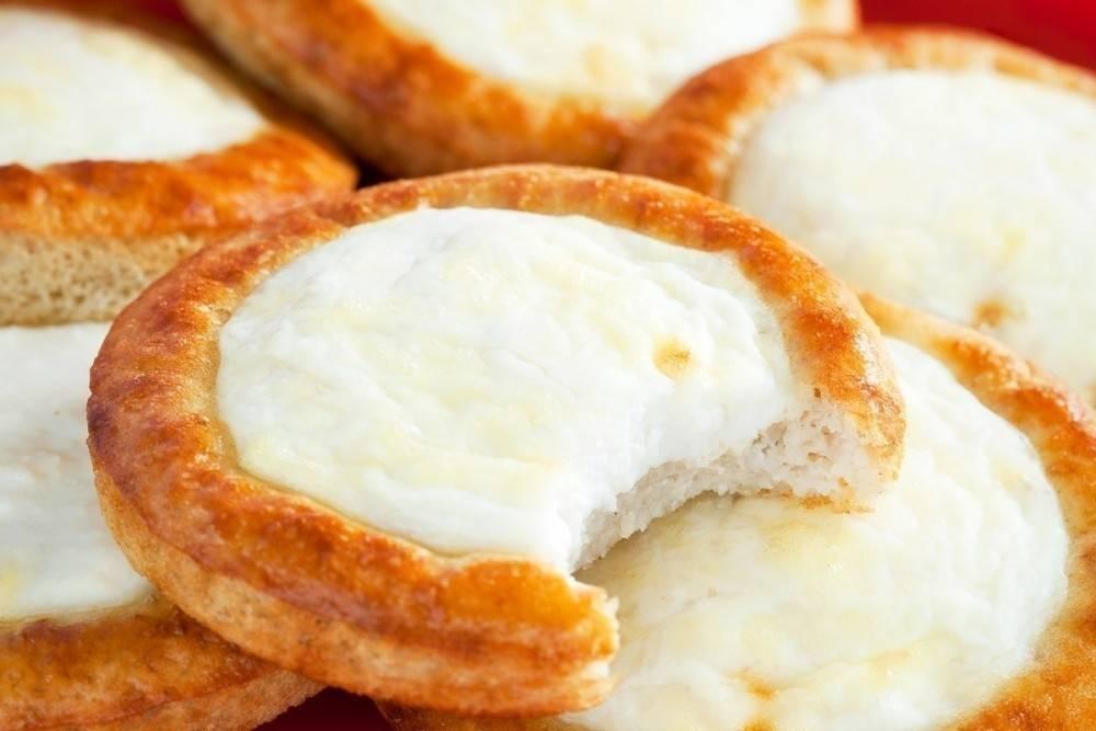 Galletas rellenas de crema de queso