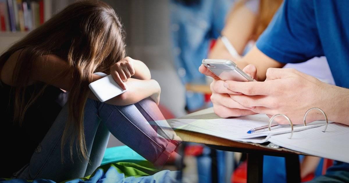 Prohibir los celulares en los colegios... ¿para los profesores también?