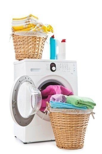 Secar la ropa dentro de casa crea las condiciones en las que las esporas de moho y los ácaros crezcan
