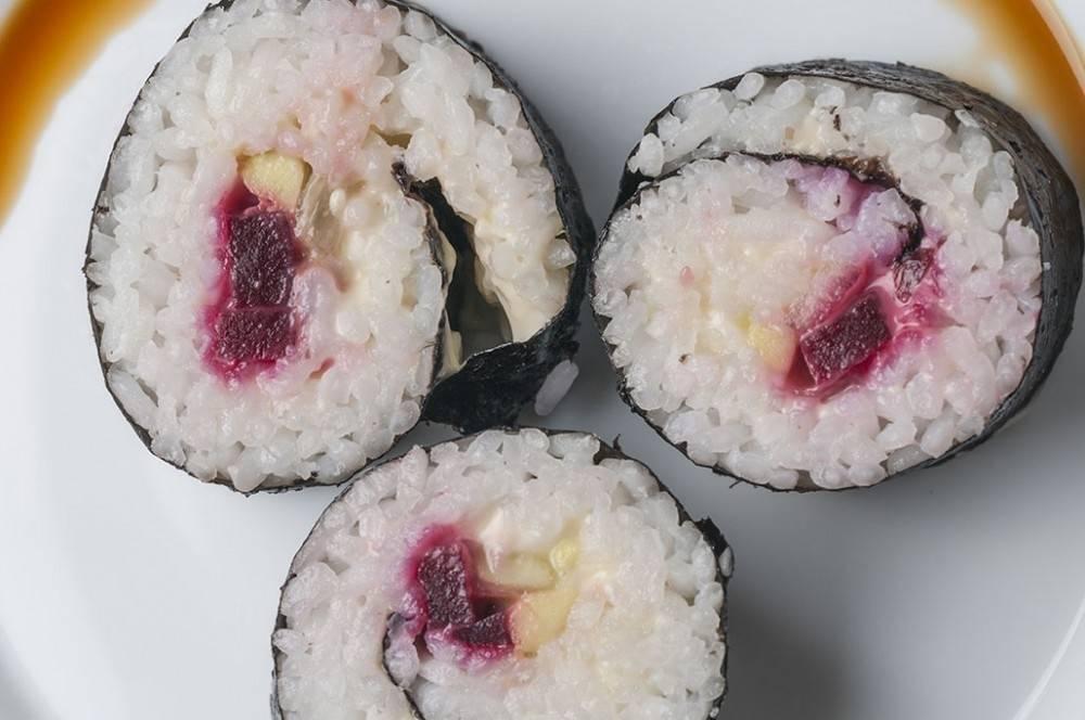 Sushi rápido de tofu y remolacha