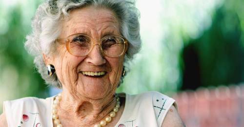 Estudio muestra que cuanto más tiempo pases con tu mamá, más tiempo vivirá