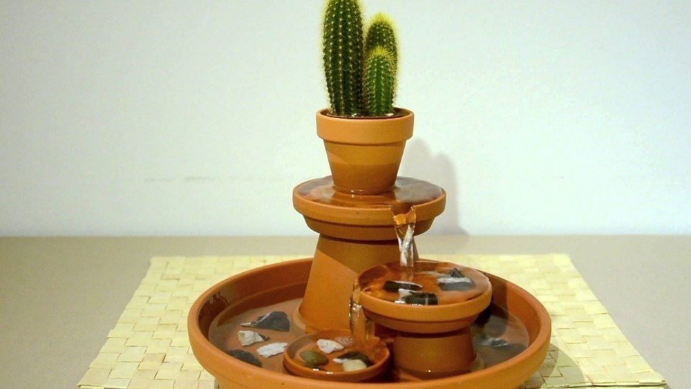 modelo alternativo fuente relajante de terracota