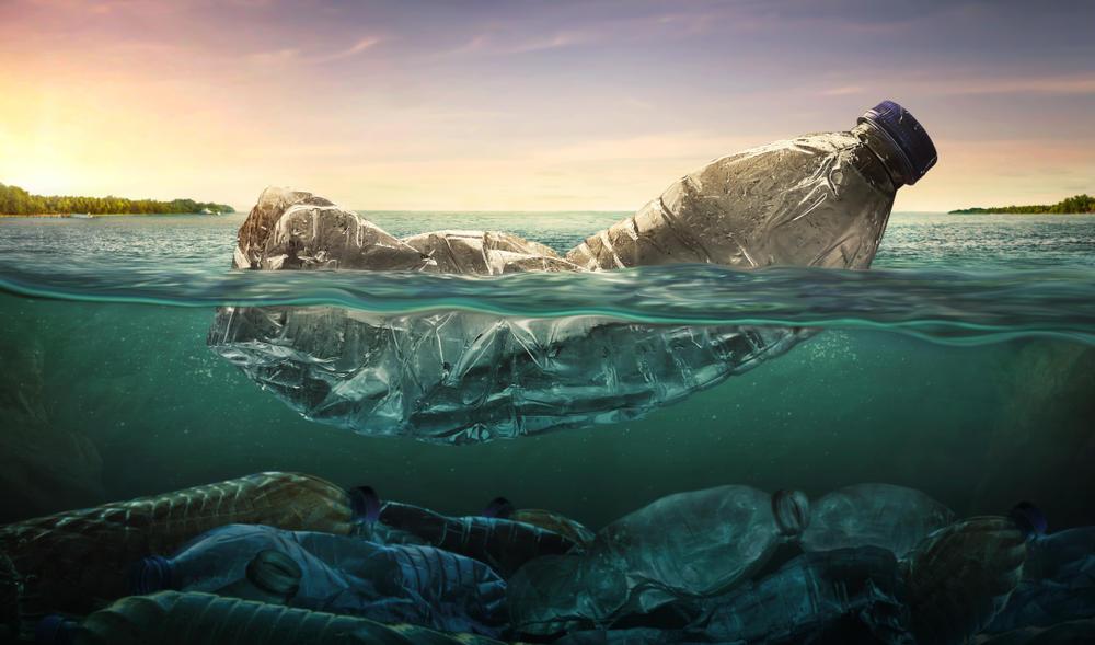 Empresa elimina las etiquetas de sus botellas para facilitar el reciclaje