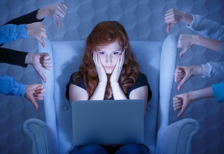Qué hacer con los comentarios negativos en redes sociales