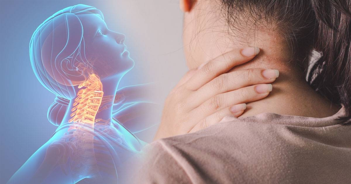 Una mujer sufre un ACV luego de sonar su cuello: ¿el riesgo es real?