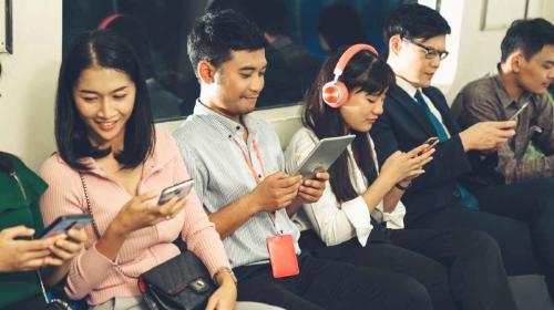 Tokio fue nombrada la ciudad más honesta del mundo: al año se regresan más de 130 mil celulares perdidos