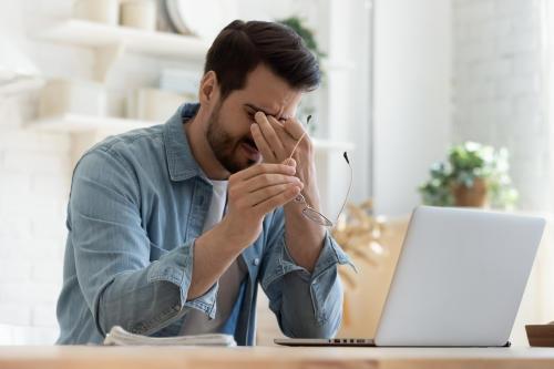 """""""Fatiga de Zoom"""": descubre cuáles son sus síntomas y cómo puedes prevenirla"""