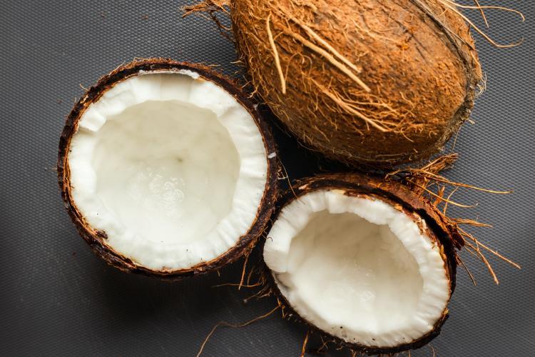 Cómo hacer aceite de coco en casa