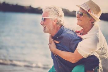 pareja esposos mayores