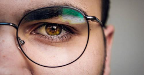 Confirmado por la ciencia: los que usan gafas son más inteligentes