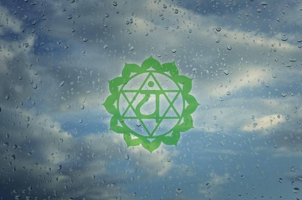 Cómo abrir el chakra del corazón y atraer el amor que mereces