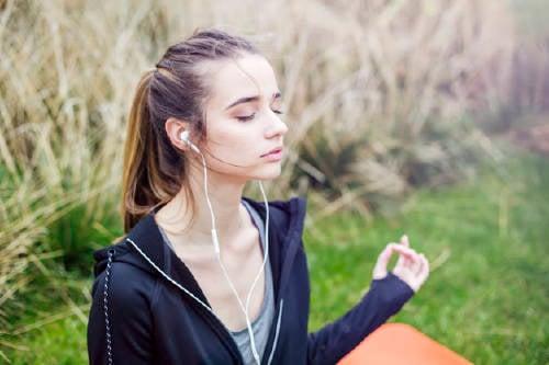 5 canciones para acompañar tu momento de meditación