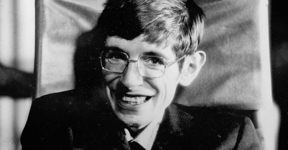 El hermoso consejo para la gente triste que dio Stephen Hawking antes de morir