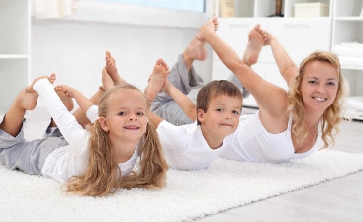 Posiciones de Yoga en casa para calmar Dolores