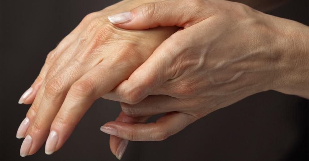 ¿Por qué se duermen las manos  10 señales que te envía el cuerpo 52e4101ac37b