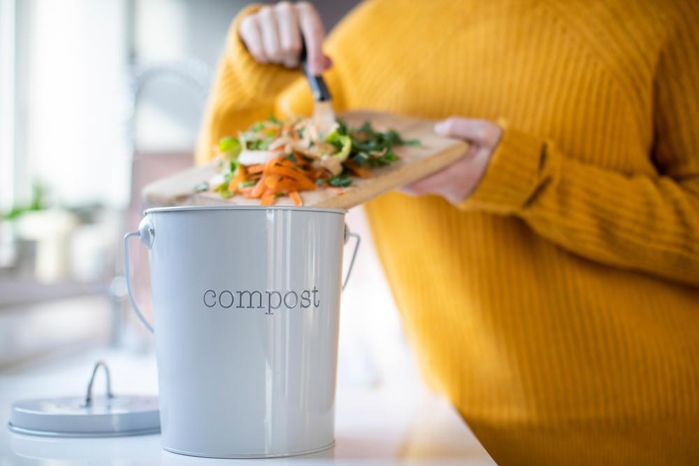 7 cosas que probablemente no sabías que puedes añadir al compost