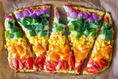 Cómo hacer una pizza arco iris