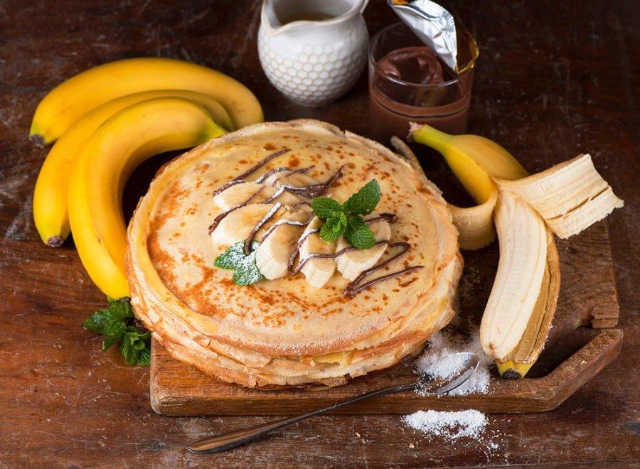 panqueca banana frutas