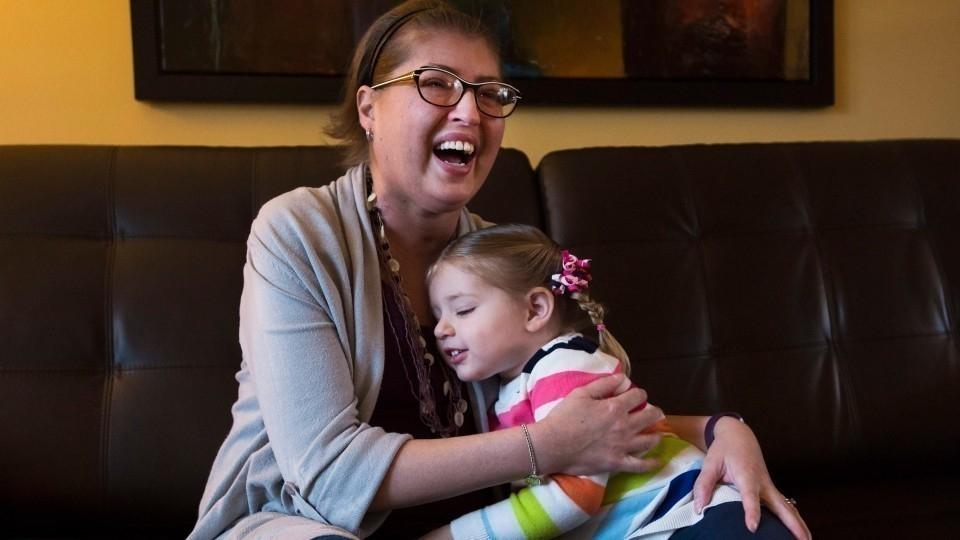 Esta mujer vivió sin pulmones hasta que consiguió un donante