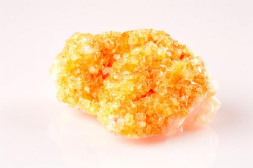 depositphotos_2821075-stock-photo-yellow-quartz-mineral