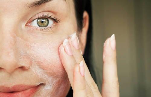 Sigue estos consejos para cuidar tu piel durante la pandemia