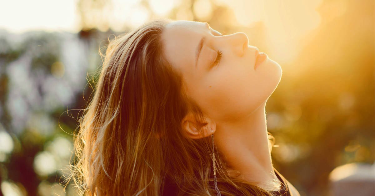 3 formas sencillas de limpiar el aura para atraer lo bueno a nuestra vida