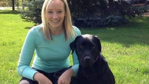 La historia de una perra que ayuda a niños a declarar en la justicia