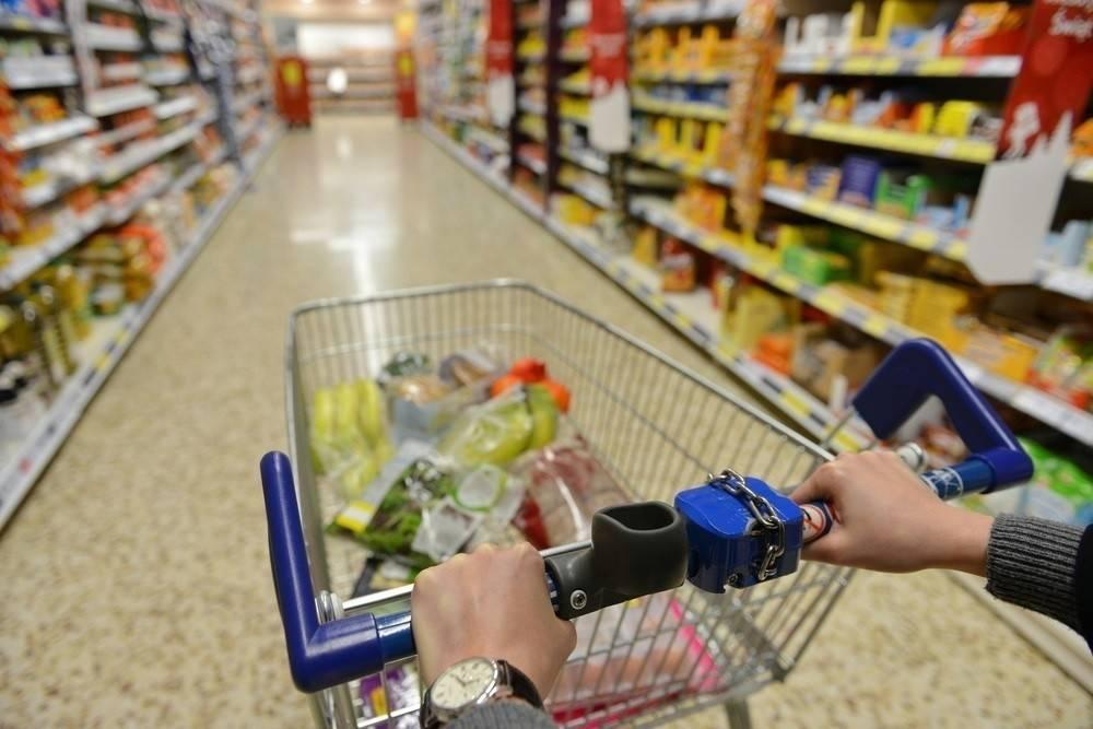 Cada vez más cadenas de supermercados eliminan los productos con aceite de pa..