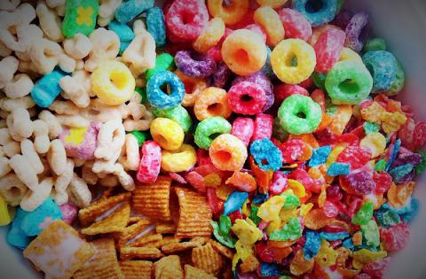 5 productos que fueron prohibidos por sus ingredientes pero quizás siguen dis..