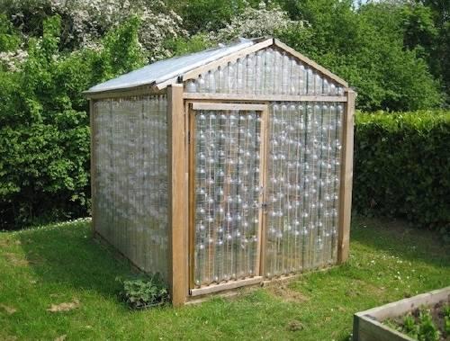 Cómo hacer un invernadero con botellas de plástico