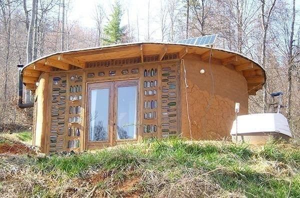 Cómo hacer una casa redonda con sacos de tierra por menos de $5,000