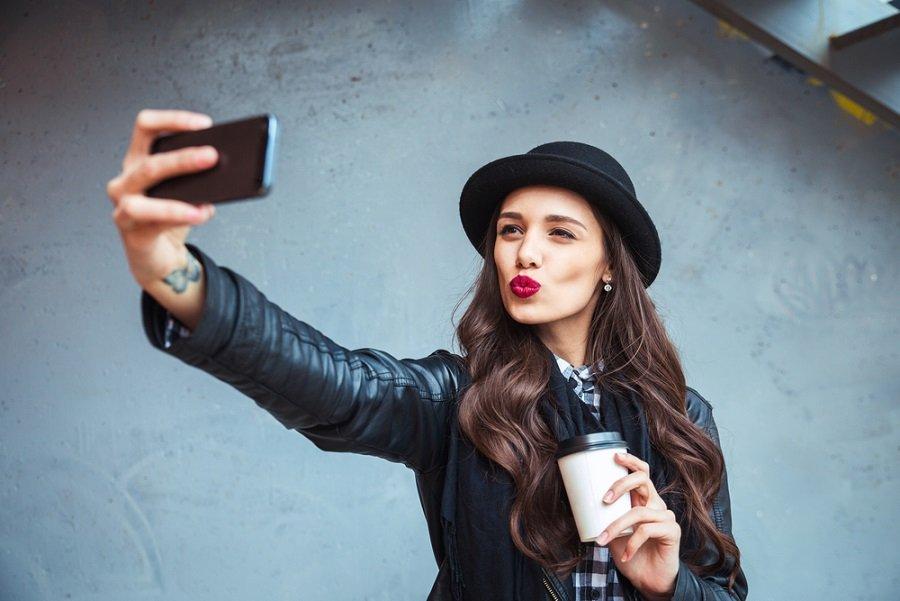 selfie redes sociales smartphone