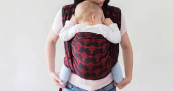 Qué es el porteo ergonómico seguro y cuáles son los beneficios para el bebé y la madre