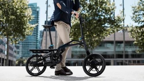 Lanzan una nueva bicicleta eléctrica  plegable que puede guardarse en solo 10..
