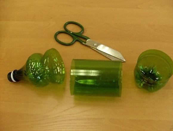 Árbol de navidad con botellas de plástico - materiales