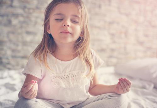 Yoga para niños, una experiencia que los alienta a ser más felices