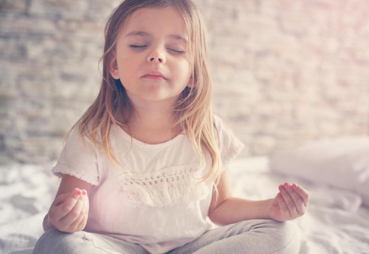 nina yoga meditacion