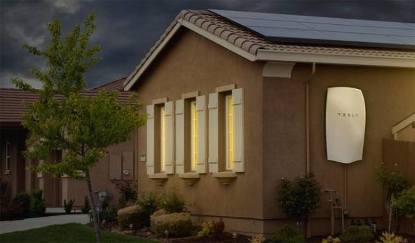 solarcity-tesla-powerwall-house-001.jpg.650x0_q70_crop-smart