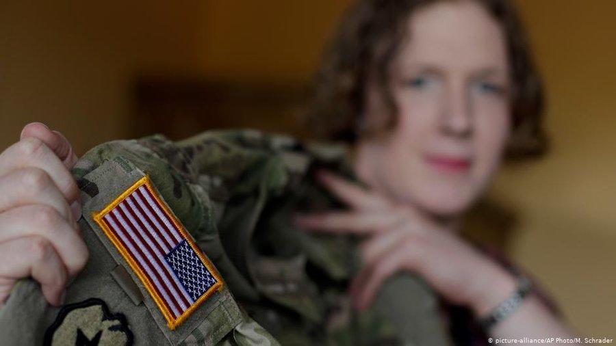 EE.UU.: Biden revoca veto de Trump a personas transgénero de servir en las fuerzas armadas