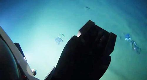 Científico realiza su primer viaje a la tercera fosa oceánica más profunda de la Tierra y encuentra plástico