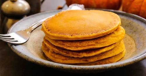 Prepara deliciosos pancakes sin harina con esta sencilla receta