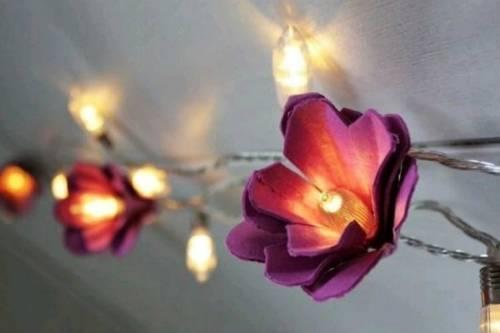 Crea lámparas decorativas con cajas de huevos de cartón