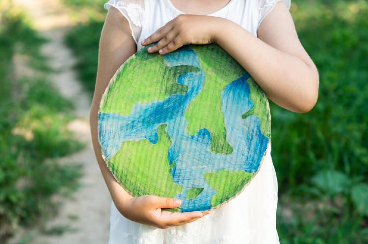 niña planeta