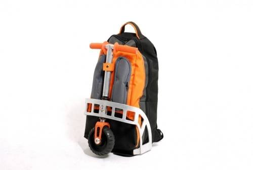 Una mochila que se convierte en transporte para andar por donde quieras
