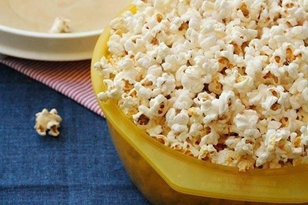 Por qué un niño pequeño no debe comer jamás una palomita de maíz
