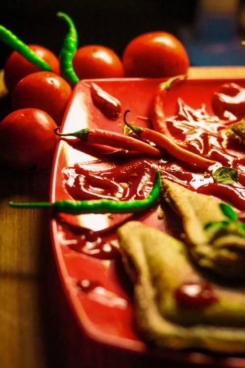 Un plato con chiles