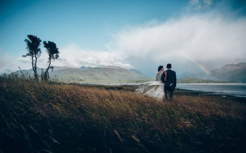 20 espectaculares fotos de parejas enamoradas en paisajes que parecen de cuent..
