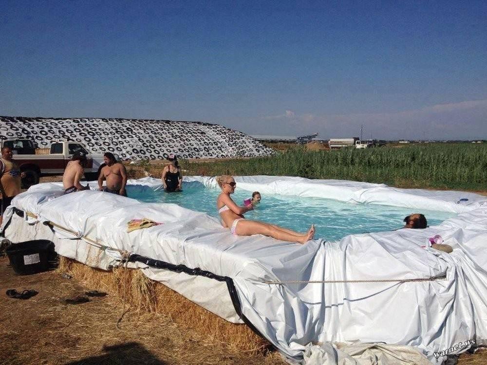 Cómo construir una piscina con fardos de paja