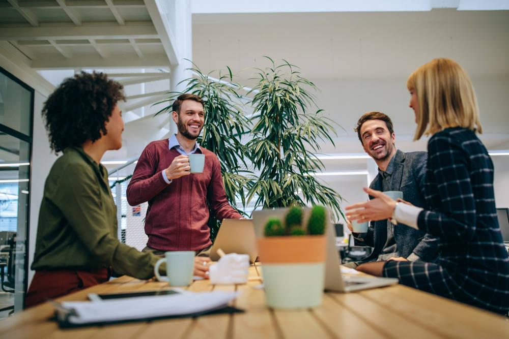 8 hábitos sustentables que se pueden aplicar en el trabajo